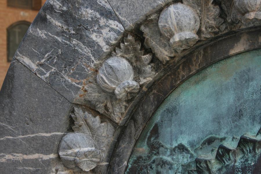 Adormideras simbología en el Museo del Silencio