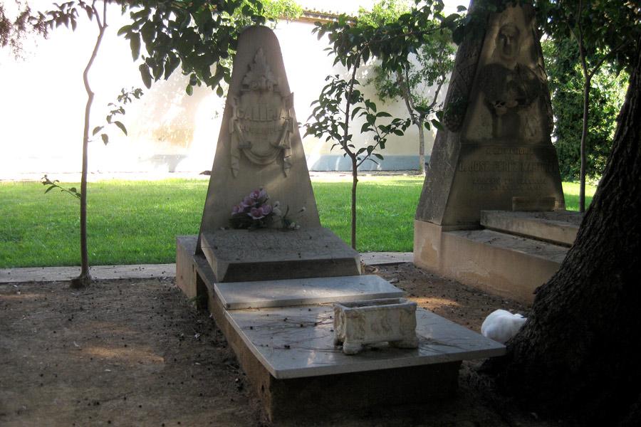 Tumba de Amparo Meliá, vista 2, en el Museo del Silencio. Cementerio General de Valencia
