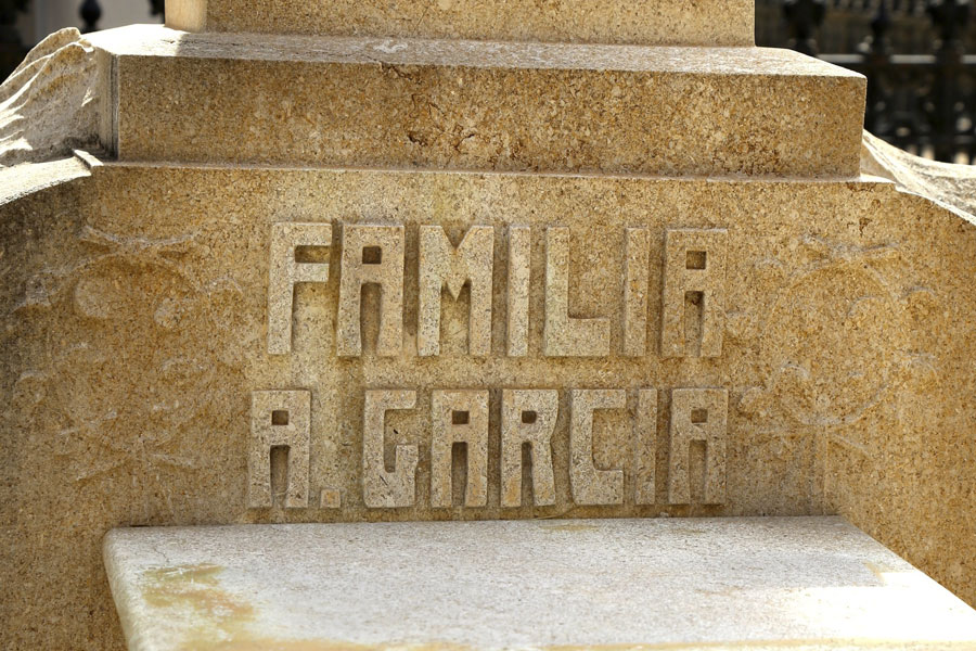 Inscripción de la familia de Antonio García Peris, en el Museo del Silencio. Cementerio General de Valencia