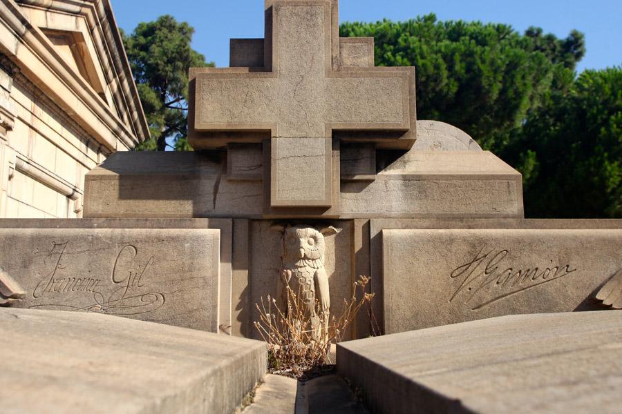 buho-simbologia-cementerio-general-valencia