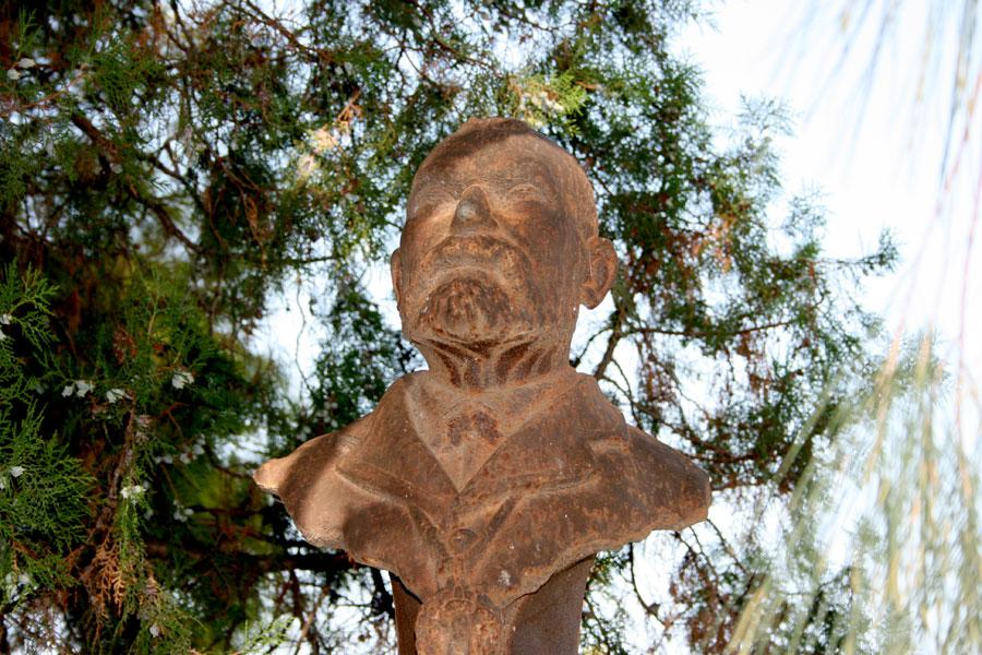 Busto de Constantí Llombart en el Museo del Silencio Cementerio General de Valencia