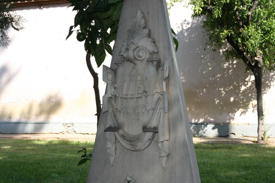 Detalle de la tumba de Constantí Llombart, en el Museo del Silencio. Cementerio General de Valencia