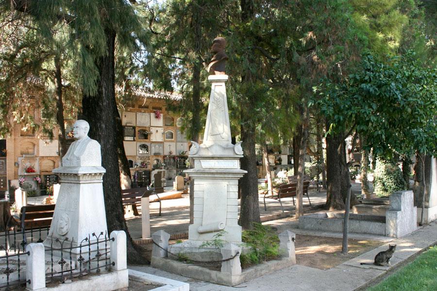 Vista general de la tumba de Constantí Llombart, en el Museo del Silencio. Cementerio General de Valencia