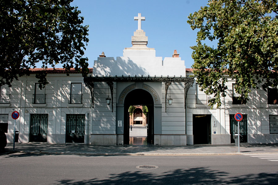 fachada-cementerio-general-valencia