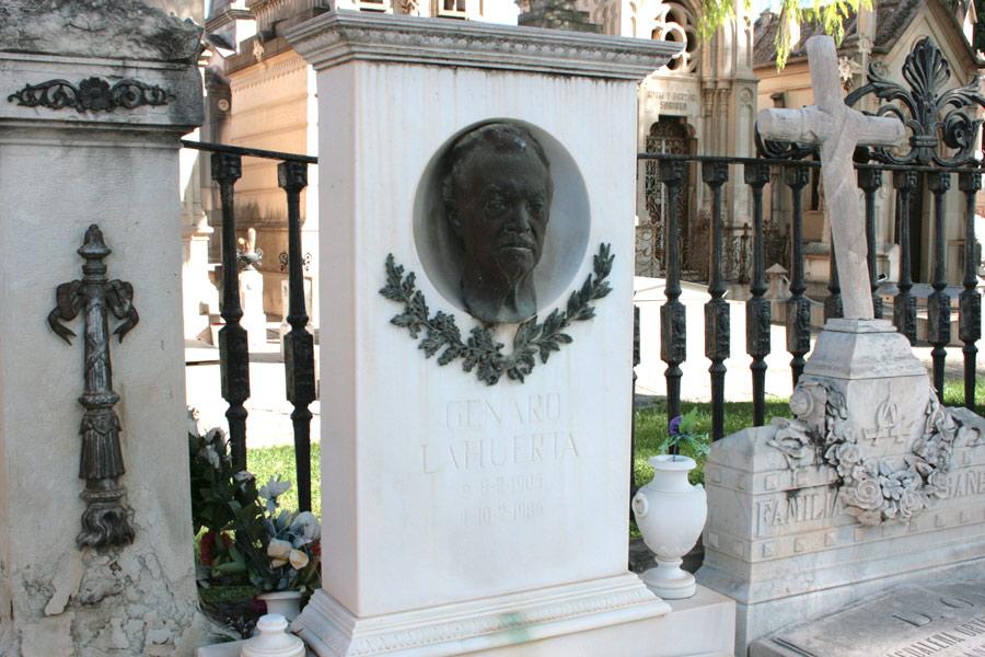 Detalle tumba de Genaro Lahuerta en el Museo del Silencio de JC media