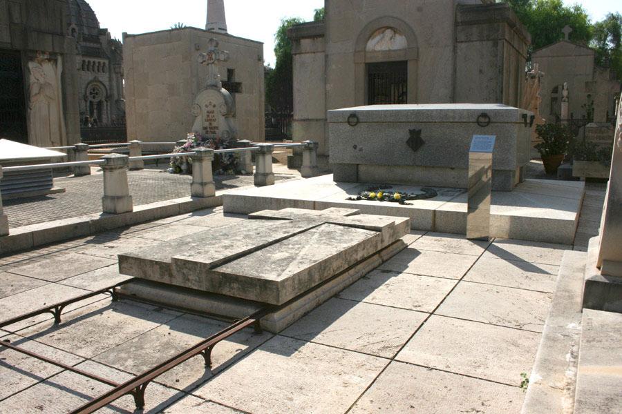 Tumba de Joaquín Sorolla Bastida, en el Museo del Silencio. Cementerio General de Valencia