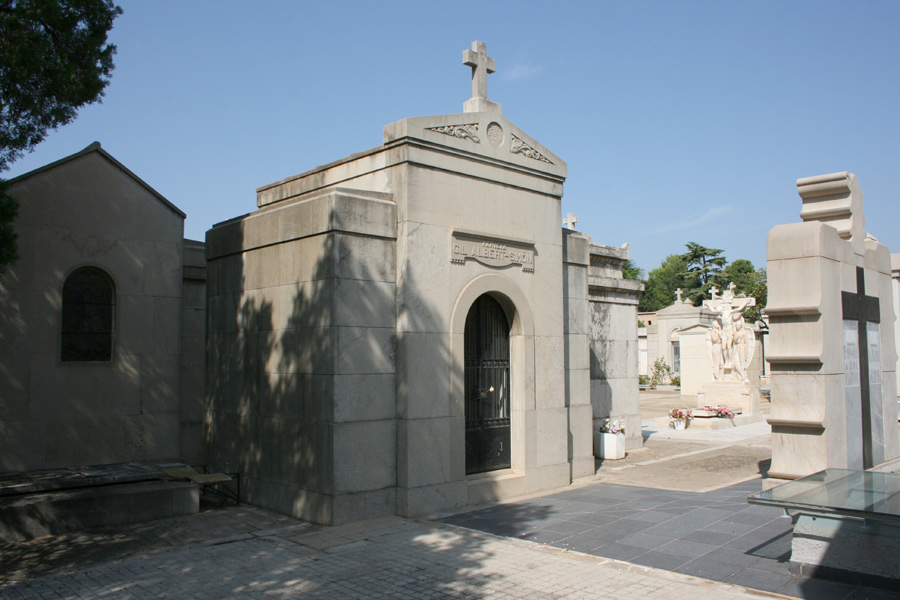 Panteón Juan Gil-Albert Simó, en el Museo del Silencio. Cementerio General de Valencia