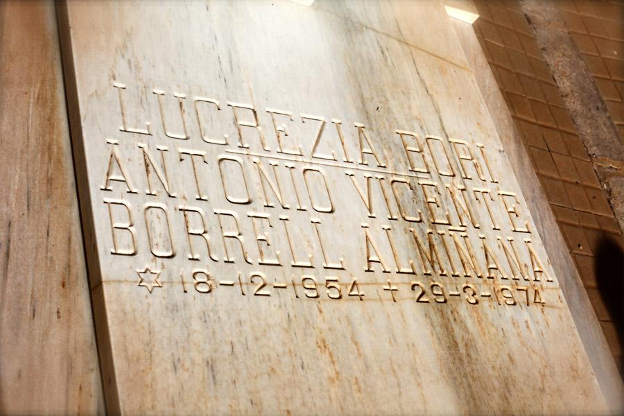Losa Lucrecia Bori, en el Museo del Silencio. Cementerio General de Valencia