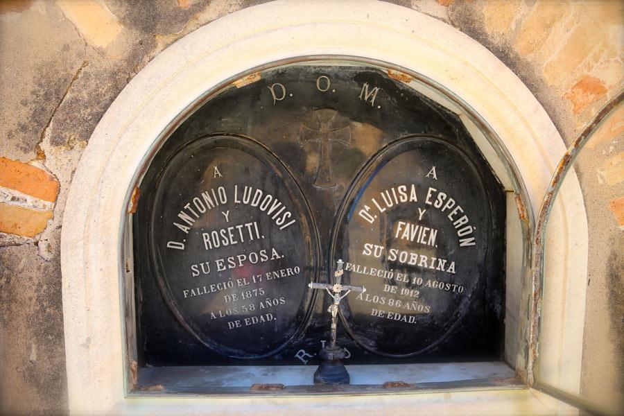 Lápida Luisa Esperón. Museo del Silencio. Cementerio General de Valencia