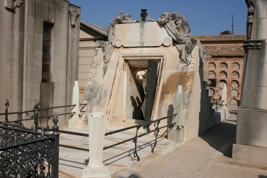 Panteon de la familia Moroder. Museo del Silencio. Cementerio General de Valencia
