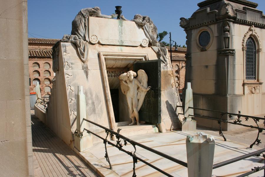 Panteón de la familia Moroder. Museo del Silencio. Cementerio General de Valencia
