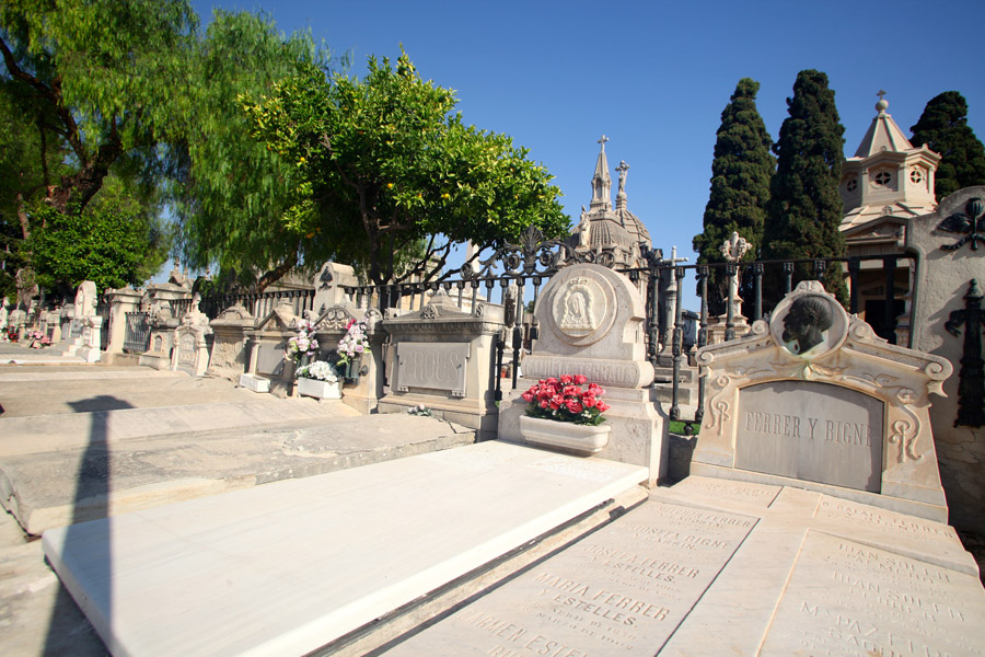 pasillo-central-vista-general-detalle-cementerio-general-valencia