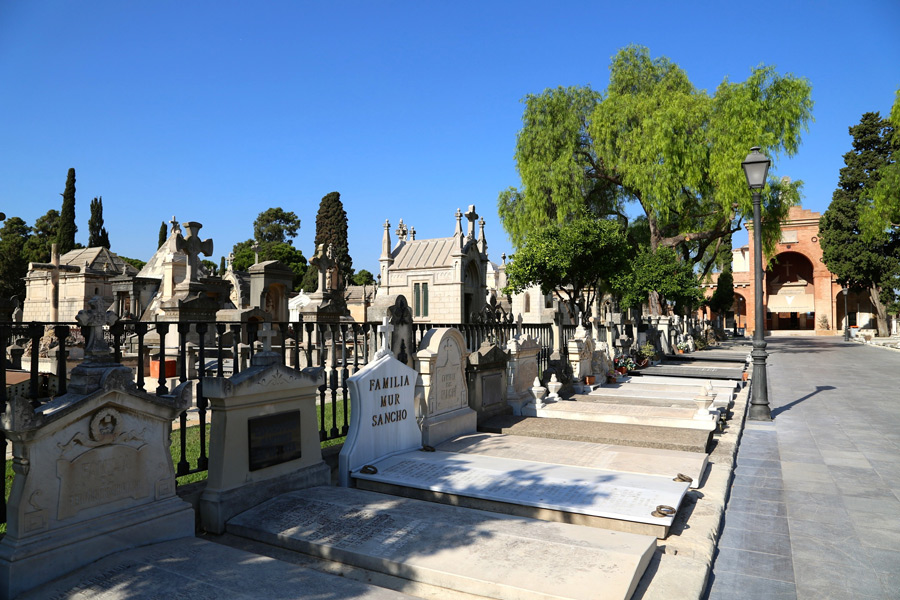 pasillo-central-vista-general-izquierda-cementerio-general-valencia