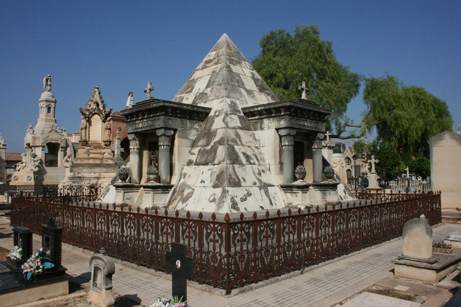 piramide-llovera-cementerio-general-valencia-general