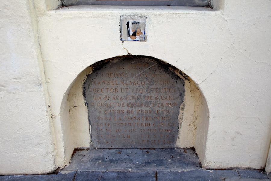 primeros-nichos-cementerio-general-valencia-detalle