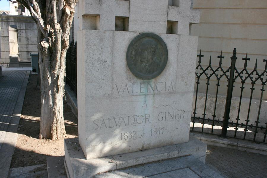 Salvador Giner Vidal en Museo del Silencio de JC media