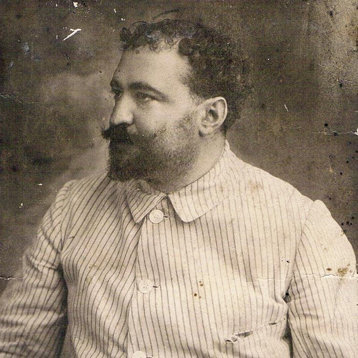 Retrato de Vicente Blasco Ibañez en el Museo del Silencio, de JC media.